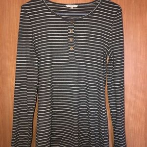 Easel Size M warm and cozy top
